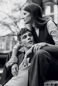 Cameron Russell & Benjamin Eidem pose for Love In A Warm Climate story captured by photographer Lachlan Bailey for the edition of Man About Town. Couple Photography Poses, Couple Portraits, Couple Posing, Couple Shoot, Portrait Photography, Friend Photography, People Photography, Maternity Photography, Pinterest Photography