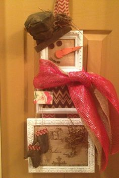 Snowman wreath from picture frames and burlap backing. Add charm to any Christmas tree or gift box, and make charming and thoughtful holiday presents for friends and family members.