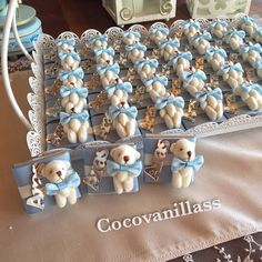 WEBSTA @ cocovanillass - Aras 'ın sütlü fıstıklı doğumu için hazırlanan çikolatalarımız Hoşgeldin ARAS ⭐️