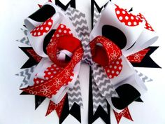 Etsy listing at http://www.etsy.com/listing/124680513/red-black-and-white-polka-dot-minnie
