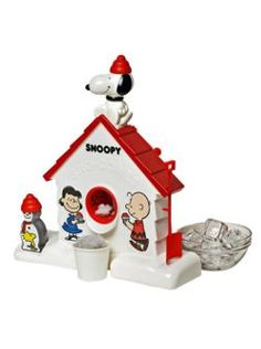 Snoopy Sno Cone Machine. Do you remember how many damn ice cubes it took to make one snowcone?