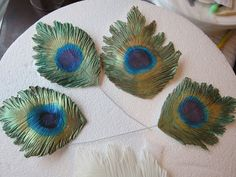 Gumpaste Peacock Feather Tutorial - by CakeGirlonthRun @ CakesDecor.com - cake decorating website