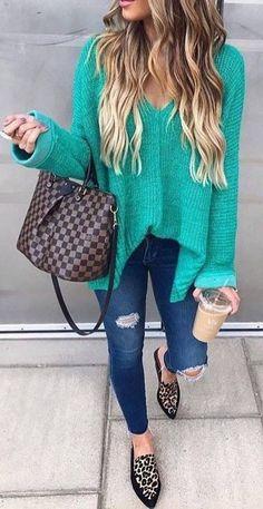 fall outfit ideas / aqua v neck knit