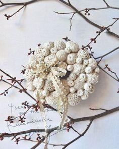 白いリース 他数点をshopに出しました  #wreath  #リース #christmas #クリスマス  #handmade #white by kuruminoisu