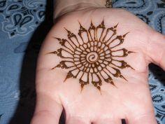 Simple mandala  Dreaming in Henna, via Flickr