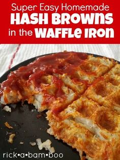 Super Easy Hash Browns in the Waffle Iron. Get crispy hash browns while you cook the rest of your breakfast. Also corned beef hash Breakfast Dishes, Breakfast Recipes, Breakfast Hash, Breakfast Ideas, Morning Breakfast, Dessert Recipes, Hashbrown Waffles, Waffle Maker Recipes, Pancake