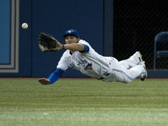 Kevin Pillar may have gone at the plate in his first (MLB) game with the Toronto Blue Jays, but he more than made up for it with a spectacular catch in left field. Sports Baseball, Baseball Players, Mlb Players, Baseball Games, Softball, Hockey, Toronto Blue Jays, Baseball Toronto, Kevin Pillar