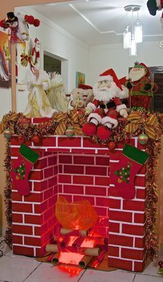 icu ~ How To DIY A Christmas Fireplace From Cardboards Grinch Christmas, Christmas Art, All Things Christmas, Christmas Ornaments, Gingerbread Decorations, Xmas Decorations, Cardboard Fireplace, Christmas Fireplace, Outdoor Christmas