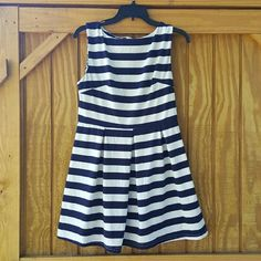 AX Nautical Navy Striped dress Navy & White Pleated dress Size 16 AX Paris Dresses