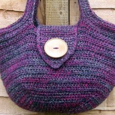 Finish in one hour Crotchet Bags, Bag Crochet, Crochet Handbags, Crochet Purses, Knitted Bags, Crochet Designs, Crochet Patterns, Bingo Bag, Mochila Crochet