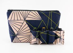 Essential Oil Bag,  Essential Oil Travel Bag, Essential Oil Pouch, Essential Oil Carry Bag, Essential Oil Case, Navy Japanese Multifaceted