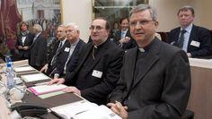 Bischof Johan Bonny (vorne rechts), seit 2009 Bischof von Antwerpen (Belgien).