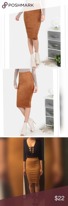 🎉SALE🎉🎉🚩LAST ONE🚩Faux suede pencil skirt This faux suede pencil skirt in Coco color. Model is 5'11 wearing a size small in last picture. Skirts Pencil