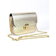 Parce quYnes Boutique cest aussi des accessoires découvrez notre nouveau sac Gold idéal pour la fête de laid ! #aid #sacgold #sac #muslimahfashion