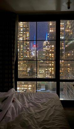 Apartment View, Dream Apartment, York Apartment, New York Life, Nyc Life, City Life, Night Aesthetic, City Aesthetic, Appartement New York