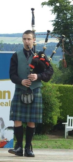 Alasdair Turner is an experienced piper based in Glasgow and the Highlands but also playing throughout Scotland and abroad.Adding a lasting musical memory to your function through the playing of the stirring sound of the Great Highland Bagpipe will give a great ambience to your celebrations.He is available to play at Weddings, Events and other special occasions where the sound of the Great Highland Bagpipe can add a lasting musical memory.
