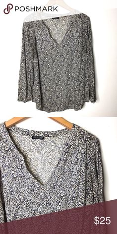 e26f9fdf4d5 Shop Women s Lucky Brand size M Blouses at a discounted price at Poshmark.