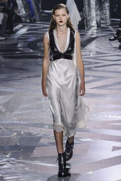 Louis Vuitton Is Everything We Want to Wear For Fall '16