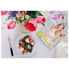 Unser Sonntagsgericht ist online! Dieses und noch mehr Picknickrezepte gibt's im @makerist Mag! #frühlingszeit #erdbeeren #glutenfrei #superschnell #veggie #vegetarisch #sonntagsgericht #essenistlieben #burrata #makerist #fraeuleinchengoesprint #frühling #tulips #vscocam  #rezeptaufdemblog #rezeptderwoche #foodblogger
