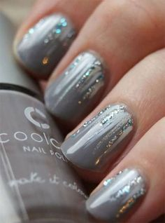 Discover cute and easy nail art designs for all occasions. Find inspiration for Easter, Halloween and Christmas and create your next nail art design. Nail Art Designs, Winter Nail Designs, Nails Design, Seasonal Nails, Holiday Nails, Christmas Nails, Christmas Makeup, Winter Nail Art, Winter Nails