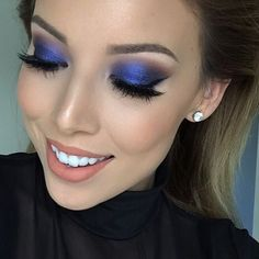"""Fierce Beauty Friday! @lustrelux looking flawless with her wings in check using our tarteist clay paint liner!  #yaas #hellagood #tarteist #eyelovetarte…"""