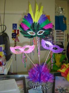 Centro De Mesa Mascara In Arreglos