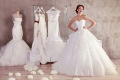 How to plan a wedding on a budget? The wedding budget is one of the most important and painful issues for the newlyweds. Perfect Wedding Dress, One Shoulder Wedding Dress, Budget Wedding, Wedding Planning, Tulle Crafts, Wedding Attire, Wedding Dresses, Good Marriage, Newlyweds