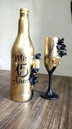 14 Splendid Wine Glass Under Counter Rack Wine Glasses Set Of 8 Wine Glass Crafts, Wine Bottle Crafts, Bottle Art, Decorated Wine Glasses, Painted Wine Glasses, Alcohol Bottles, Glitter Wine Bottles, Wine Bottle Centerpieces, Recycled Glass Bottles