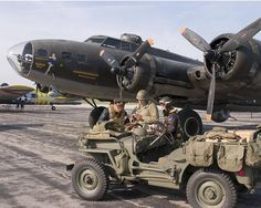 Photo of the famous Memphis Belle! Ww2 Aircraft, Fighter Aircraft, Fighter Jets, Memphis Belle, Fly Guy, Nose Art, Air Show, Historical Pictures, Scale Models