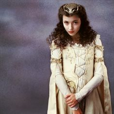 Love Mia Sara...she is so gorgeous! And I especially love her in this movie: Legend. :)