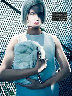 Manuel Vera Signature: Status update, editorial de Vogue US AmberValeltta