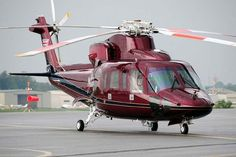 S-76C Sikorsky. Love this colour, if I ever get a helicopter instead of my own plane, I might consider this colour.