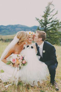 Grandioses Hochzeitsfest in der Bergkulisse von Utah Photo by Gideon Photography #flowergirl #cute #tulle #family #wedding #hochzeit