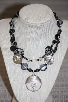 Beautiful Black & Silver Chunky Necklace w/ Silver Pendant!! Jewelry on Etsy