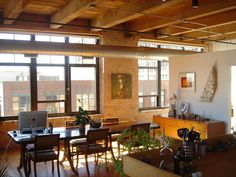 Beautiful exposed brick and timber - Chicago loft