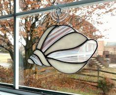 Stained Glass Shell Suncatcher, Pink and White Shell, Beach Decor, Coastal Decor, Nautical Decor, Sea Shell Ornament, Ocean Art #StainedGlassOcean
