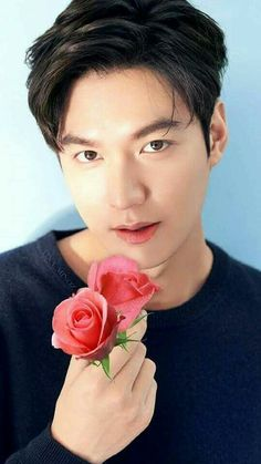 LEE MIN HO- The Korean male superstarLee Min Hofinally finished his military training