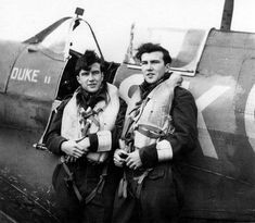 Identical Twins F/O Bruce and Douglas Warren of Nanton Alberta, Canada pictured in September 1942 alongside Doug's Spitfire Mk. V of No. 165 Squadron RAF.