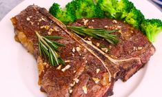 T-bone Steak seared to caramelized perfection on the outside and juicy in the middle. Ready in just 15 minutes with no marinating needed! Orange Chicken Sauce, Sweet N Sour Chicken, Sauce For Chicken, Chicken Wings, Steak Recipes, Chicken Recipes, Cooking Recipes, Cooking Ribs, Cooking Games