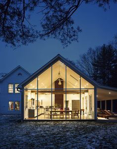 Dwell Magazine, Floating Farmhouse, Catskills | Assignment Work | Mark Mahaney - Photographer