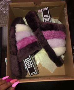 ugg boots for men Ugg Sandals, Ugg Shoes, Shoe Boots, Bling Sandals, Women Sandals, Shoes Women, Fur Boots, Cute Uggs, Ugg Boots Outfit