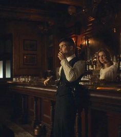 Cillian Murphy - Thomas and Grace - Peaky Blinders 💜 Peaky Blinders Grace, Peaky Blinders Series, Peaky Blinders Quotes, Peaky Blinders Thomas, Cillian Murphy Peaky Blinders, Beautiful Blue Eyes, Film Books, Movies Showing, Love Story