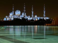 The Grand Mosque, Abu-Dhabi  here is the view from the Shangri-La