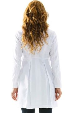 Scrubs Outfit, Scrubs Uniform, Where To Buy Clothes, Doctor Coat, White Lab Coat, Classy Work Outfits, Lab Coats, Medical Scrubs, Outfit Trends