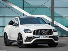 Mercedes updates the AMG variant of its popular GLE Coupe crossover with more power, a mild hybrid system, and a new grille. Audi A6 Tdi, Audi Rs, Mercedes Benz Amg, Best Gas Mileage, Vtc, Car Travel, Twin Turbo, Automatic Transmission, Luxury Cars