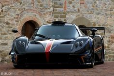 Pagani Zonda Revolucion is the dream car for almost every auto enthusiast! Have a sneak peek and get overwhelmed by its sheer beauty! Maserati, Lamborghini, Ferrari, Bugatti Veyron, Sexy Cars, Hot Cars, Mercedes Amg, Supercars, Pagani Huarya