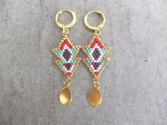 Le produit Boucles d'oreille double flèche Massaï tissées en perle de verre Miuki est vendu par My-French-Touch dans notre boutique Tictail. Tictail vous permet de créer gratuitement en ligne un shop de toute beauté sur tictail.com
