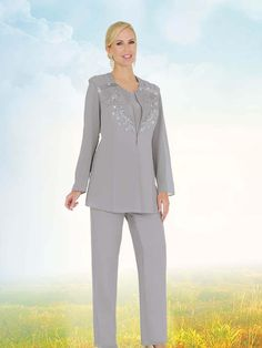 Where to Find Plus Size Formal Pant Suits Formal pant suits can be worn anytime you need to add a little sparkle to your wardrobe, or to amplify your style for an all-out glamorous and elegant . Mother Of The Groom Suits, Mother Of The Bride Dresses Long, Mother Bride, Plus Size Dresses, Plus Size Outfits, Formal Pant Suits, Women's Suits, Gown With Jacket, Winter Outfits Women