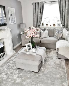 Fantastic Living Room Ideas are offered on our website. Check it out and you will not be sorry you did. Decor Home Living Room, Elegant Living Room, Living Room Grey, Living Room Designs, Home Decor, Duplex, Living Room Inspiration, Apartment Living, Couch