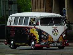 VW Bulli Custom present bei www.menschenimsalon.de